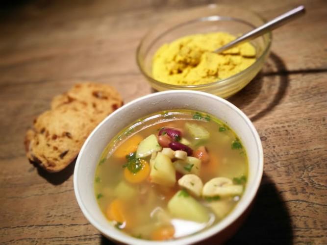 vegan-soep-hummus