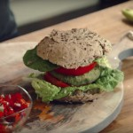 Recept: Jason Vale's Spicy Mint Avocado Veggie Burger