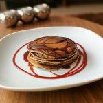 Recept: Pannenkoeken van banaan, blauwe bessen en kikkererwten